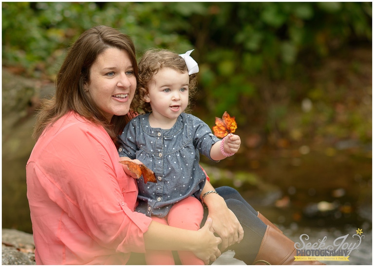 Mom with baby outdoor photo in greenville